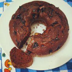 Mais um bolinho para o café da tarde, feito com farinha integral para uma alimentação um pouco mais saudável e natural.   A combin...
