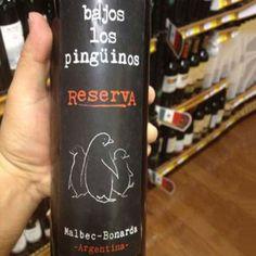 Vino Tinto Bajos los Pingüinos Reserva Malbec/Bonarda #Vinos #VinoEntreAmigos #Malbec