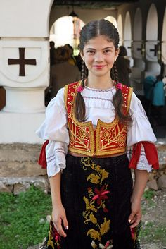 Young girl traditional fold dress in Serbia. Precious Children, Beautiful Children, Beautiful People, We Are The World, People Around The World, Folklore, Anthropologie, Thinking Day, Ethnic Dress