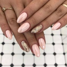 + Ideas for Trendy and Beautiful Almond Shaped Nails + Ideas for Trendy and Beautiful Almond Shaped Nails,Nageldesign – Nail Art – Nagellack – Nail Polish – Nailart – Nails almond nail. How To Do Nails, Fun Nails, Almond Nails Designs, Tan Nail Designs, Gold Designs, Art Designs, Almond Shape Nails, Nails Shape, Almond Nails Pink