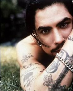 Dave Navarro  ~~  Not my usual style but I think this man is S E X Y!!  =)