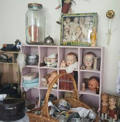 Kind of a dollhouse...