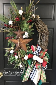 Primitive Star Oval Wreath