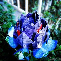 Flor de loto de papel con publicidad, origami modular #tag #tagforlike #origami #papiroflexia #papel #craft #craftsfeed #youtubers #diy #doityourself #photo #follow #followme #manualidades #flordeloto #hadmade