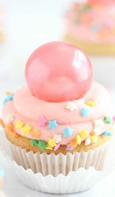 Bubble Gum Frosted Cupcakes with Gelatin Bubbles ~ Recipe and Gelatin Bubble Tutorial