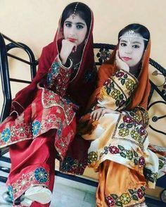 Balochi Dress, Pakistani Culture, Afghan Girl, Designer Dresses, Nice Dresses, Sari, Asian, Dress Designs, Unique