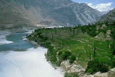 The Indus is the longest river in Pakistan. Check out the link to the BBC website. It's awesome.