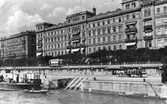 Danube Promenade Budapest The Danube Promenade or Dunacorso is walking path on the Pest side of Budapest, which extends from the Chainbridge to the Elizabeth bridge. Old Pictures, Old Photos, Bristol, Walking Paths, Budapest Hungary, Historical Photos, The Past, Louvre, Street View