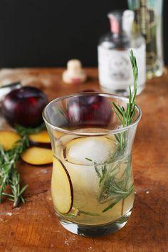Rosemarys Plum gin