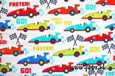 Faster, stof van Michael Miller Fabrics. Verkrijgbaar via www.jipps.nl  Stof met racewagens