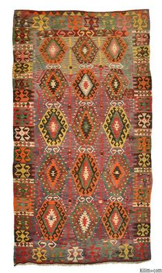 Vintage Esme Kilim Rug around 40 years old and in very good condition. Textiles, Silver Carpet, Floor Cloth, Patterned Carpet, Rugs On Carpet, Hall Carpet, Persian Carpet, Woven Rug, Kilim Rugs
