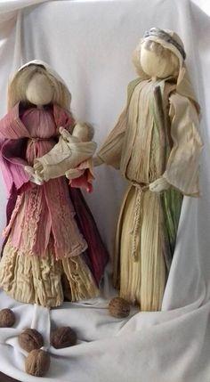 nativity scene, corn husk dolls 17 in, bozicne jaslice od komusine 43 cm