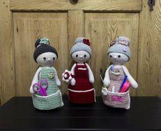 """Freue mich, euch diesen Artikel aus meinem Shop bei #etsy vorzustellen: Anleitung Häkeln Organizer Puppe """"Oma Maria"""", Ordnungshelfer für Handarbeitsmaterial und Nähzubehör Nadelkissen Omapuppe Häkeloma Organizer, Teddy Bear, Toys, Children, Animals, Pin Cushions, Puppets, Activity Toys, Young Children"""