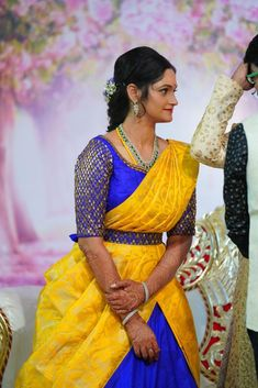 4 Lovely Wedding Looks That You Can Totally Draw Inspiration From! Wedding Saree Blouse Designs, Half Saree Designs, Pattu Saree Blouse Designs, Fancy Blouse Designs, Diy Belt For Dresses, Indian Reception Outfit, Saree With Belt, Lehenga Saree Design, Saree Models