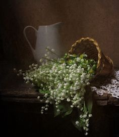 I want to make a collage with this . Love Lily of the valley! Still Life Photos, Still Life Art, Black Soil, 1. Mai, Love Lily, Spring Blooms, Lily Of The Valley, Still Life Photography, Watercolor Art