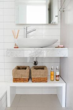 Inventive and Nice Space for storing for small bogs? This configuration by Trua arqruitectura # small lavatory # lavatory # small bogs Storage Solutions, Storage Spaces, Small Storage, Decoration, Living Spaces, Sweet Home, Room Decor, Luxury, Small Bathrooms