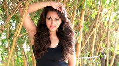 Sonakshi Sinha Height