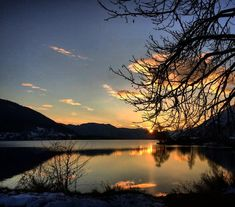 Ist schon still um den See... 💛 . . . #kärnten #abendausklingenlassen #wandern #winterwandern #sonnenuntergang #seensucht #sundowner #steindorf #kaernten #soschön #lakeossiach #ossiachersee #carinthia #carinzia #koroška #koroska #karyntia #karintië #karintia #discovercarinthia #discover_austria #österreich🇦🇹 #austrianviews #simplyaustria #amazingplaces #fotoalbum_kaernten #visitcarinthia #visitaustria #goodnight Malta, Montana, Seen, River, Celestial, Sunset, Outdoor, Villach, Roller Coaster