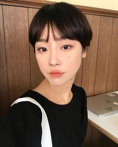 Pin on cute :v Short Hair Tomboy, Asian Short Hair, Girl Short Hair, Short Hair Cuts, Asian Haircut Short, Tomboy Hairstyles, Pixie Hairstyles, Cool Hairstyles, Shot Hair Styles