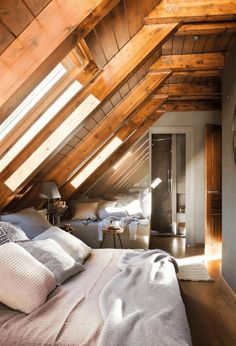A Frame Cabin, A Frame House, Cabin Interiors, Cozy Place, Cabin Homes, Guest Bedrooms, Diy Home Improvement, Cabana, Cheap Home Decor