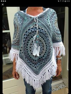 Crochet beautiful and unusual feminine poncho. Free patterns to crochet poncho Poncho Au Crochet, Crochet Jacket, Crochet Granny, Crochet Scarves, Crochet Clothes, Crochet Woman, Love Crochet, Knit Crochet, Crochet Cape