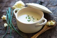 Cauliflower Soup with Thermomix Slimming World Cauliflower Cheese, Cauliflower Cheese Soups, Creamy Cauliflower Soup, Cauliflower Vegetable, Riced Cauliflower, Roasted Cauliflower Soup Recipe, Cauliflower Recipes, Lunch Recipes, Low Carb Recipes