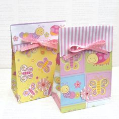Baby bugs & butterfly gift bags. Set of 6 favor bags handmade from colorful scrapbook paper. Party favors, birthday, baby shower, gift tags