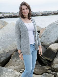 Bly, designed by Amy Christoffers in Berroco Indigo. This cozy V-neck cardigan is knit seamlessly from the top down and is a free pattern on Berroco.com. #freepattern #knitting