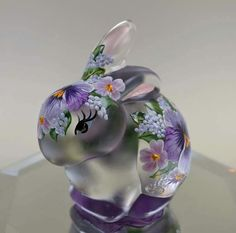 Essence of a woman Purple Jewelry, Glass Figurines, All Things Purple, Fenton Glass, Fashion Colours, Bunny Rabbit, Pottery, Vase, Sculpture