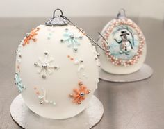 Mini Ornament Cake Tutorial