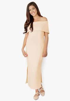 One of the most beautiful maxi dresses ever been created. Neoprene fabric, shoulder hugging, features side slits at the bottom, zippered back. One word – stunning!