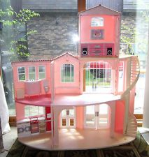 Barbie Mattel 2006 3 Story Dream Doll House with Furniture & Lots of Accessories
