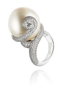 """The famous Swiss Jeweller Chopard was chosen to design the jewellery for the movie """"Nine"""".  This ring was worn by Kate Hudson in the movie."""
