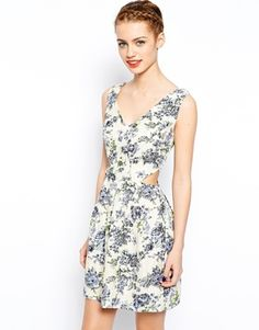 ALGO ASÍ CON FLORES - TALLA 40  New Look Floral Crepe Cut Out Dress