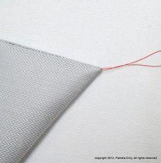 L'astuce des tailleurs pour retourner une pointe de col. Valable pour tout angle à retourner sans faire de gros paquet de marge de couture bourrée dans la pointe.