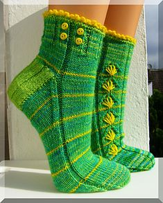 Dandelion by Micha Klein ~ How cute! 4ply Fingering ~ Top down. FREE download via Ravelry