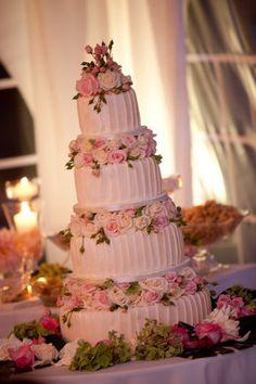 Torta nuziale per matrimonio in rosa