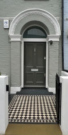 Tile pattern black and white classic front garden great front door farrow and ball paint front house clapham battersea london Victorian Front Doors, Victorian Terrace, Victorian Homes, Front Door Design, Front Door Colors, House Paint Exterior, Interior And Exterior, Front Door Farrow And Ball, Victorian Mosaic Tile