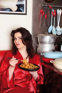 SLUT'S SPAGHETTI - an easy, tasty recipe by Nigella Lawson to pair with the fresh pasta made in your Philips Viva Pasta Machine. Spaghetti Recipes, Pasta Recipes, Cooking Recipes, Cooking Stuff, Quick Recipes, Pasta Puttanesca, Pasta Noodles, Tetrazzini, Tasty