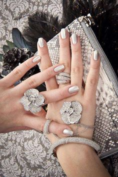 Unghie da sposa 2016 - Nail art argento metallizzata per matrimonio