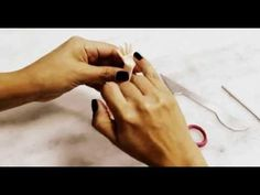 Vídeo perninha de biscuit! - YouTube Bjd, Fondant People, Polymer Clay Dolls, Fondant Figures, Pasta Flexible, Sugar Art, Cold Porcelain, Sculpting, Country