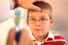 Importancia de visitar al oftalmólogo para los escolares