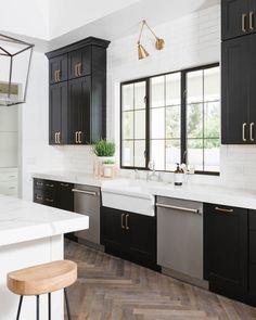 50 Beautiful Kitchen Cabinet Paint Colors ~ My Dream Home Modern Farmhouse Kitchens, Black Kitchens, Home Kitchens, Rustic Kitchen, Country Kitchen, Distressed Kitchen, Home Design, Küchen Design, Design Ideas