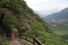 Sonnenberg - Monte Sole. Sonnenberger Panoramaweg tussen Naturns en Partschins.