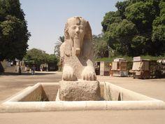 En la zona donde se erigió la ciudad de Menfis, la capital del Antiguo Egipto, actualmente se localiza el poblado  Mit Rahina. En él, se encuentra una gran esfinge de alabastro, varias estatuas colosales de Ramsés II y otros restos arqueológicos, resultado de varias excavaciones, como un gran museo al aire libre y una sala cubierta, para custodiarlas.