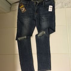 Brand new pair of Charlotte Russe jeans. Skinny jeans with knees out. Jeans Skinny