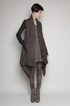 drapey cardigan + t-shirt dress + leggings + ankle boots + monochramaticism