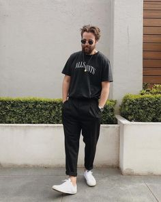 Stylish Mens Outfits, Casual Outfits, Men Casual, Trendy Outfits For Guys, Black Outfit Men, Man Outfit, Streetwear Mode, Mens Streetwear Fashion, Trouser Outfits