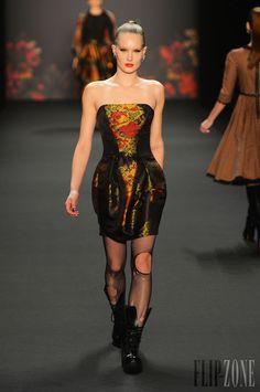 Lena Hoschek - Ready-to-Wear - Fall-winter 2013-2014 - http://en.flip-zone.com/fashion/ready-to-wear/independant-designers/lena-hoschek