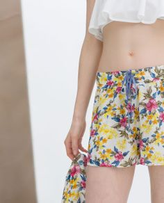 PRINTED LOOSE FIT SHORTS from Zara